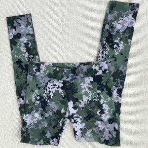 *4/$20* Aeropostale Camouflage Leggings
